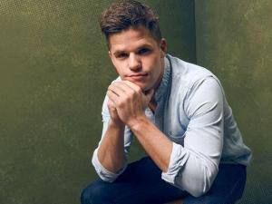 Out Actor Charlie Carver Opens Up About 'Boys in the Band,' 'Ratched'