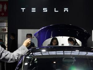 Tesla Balks at Touch Screen Recall, U.S. Agency Takes Action