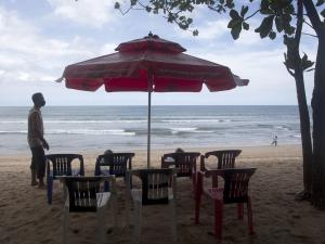 Bali Reopens to Foreign Travelers as COVID-19 Surge Subsides
